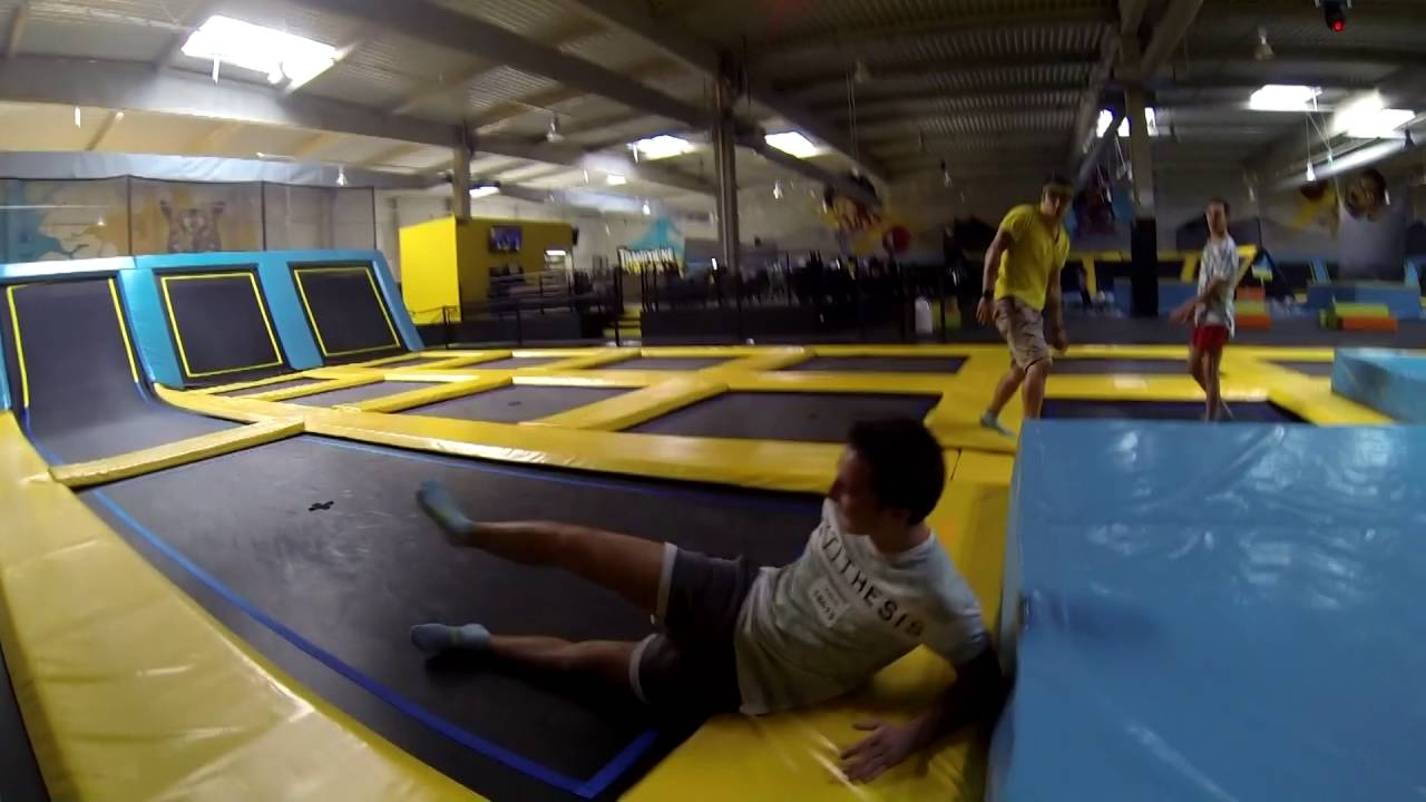 trampoline park toulouse after school youtube. Black Bedroom Furniture Sets. Home Design Ideas
