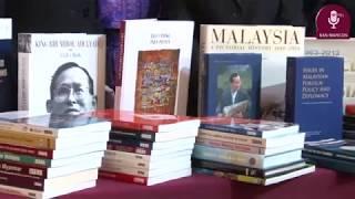 Tema: Donación de importante material bibliográfico al CEAS