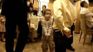 Baile de Zacharie Cloutier en cena del crucero