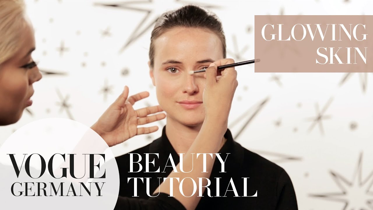 Glowing Skin Make-up – Highlights setzen how-to – glowy skin make-up | VOGUE Beauty Tutorial