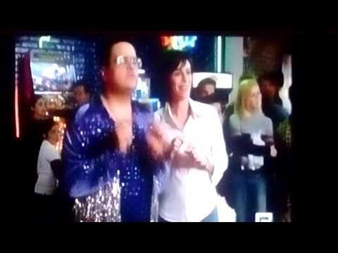 Hal bailando