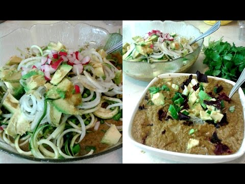 Raw food dinner meal ideas a soup recipe 40belowfruity youtube raw food dinner meal ideas a soup recipe 40belowfruity forumfinder Images