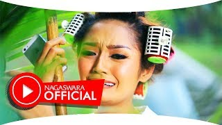 Video Siti Badriah - Suamiku Kawin Lagi (Official Music Video NAGASWARA) #music download MP3, 3GP, MP4, WEBM, AVI, FLV Desember 2017