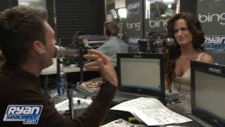Elizabeth Reaser 'Tones It Down' For New Moon Premiere | Interview | On Air With Ryan Seacrest