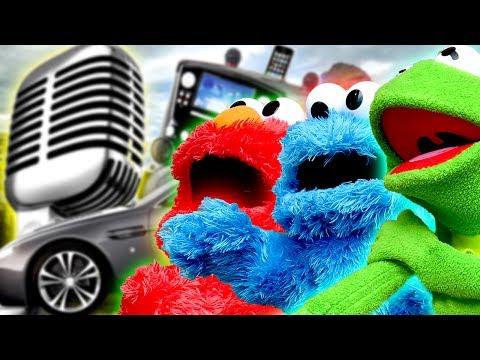 Elmo, Cookie Monster and Kermit the Frogs Car Karaoke Road Trip!