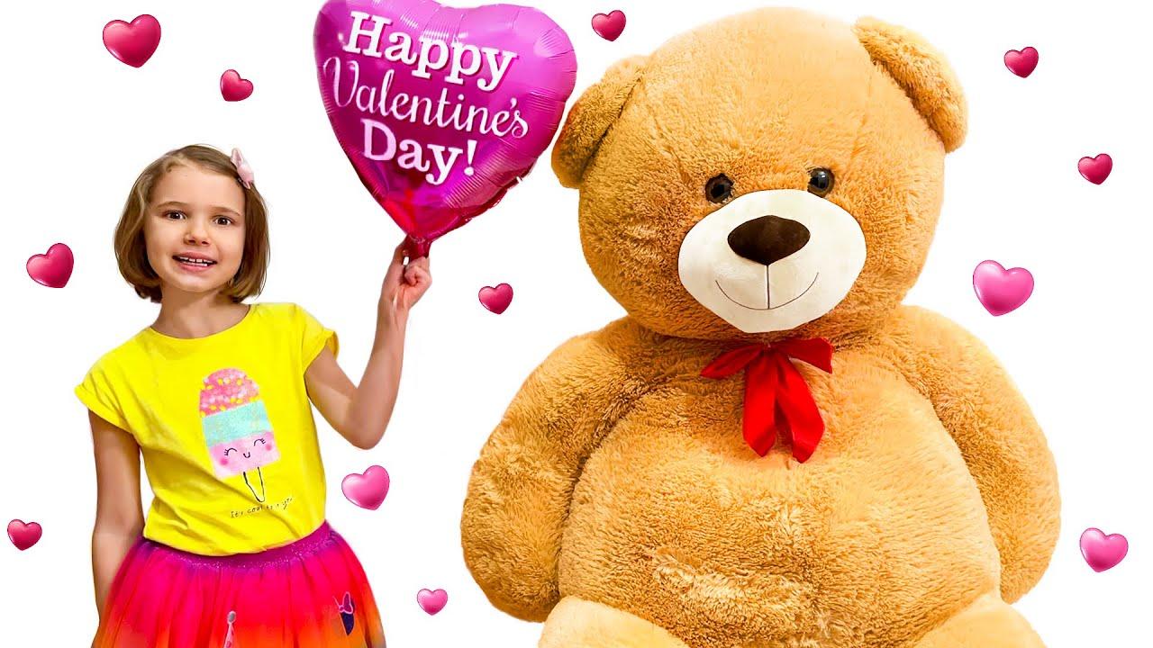 Катя получает подарки на День Св. Валентина