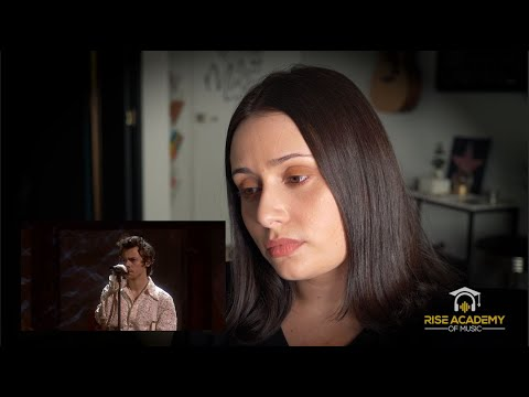 Vocal Coach Reacts to Falling LIVE by Harry Styles at the BRIT Awards 2020