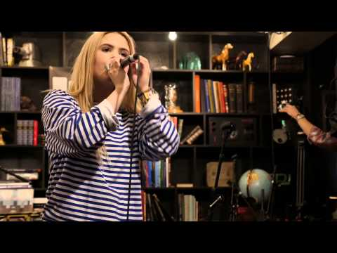 Young Karin - Full Performance (Live on KEXP)