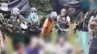 잔인한 필리핀 IS 추종 무장단체, 10대 인질 참수