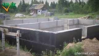 видео Закладка фундамента под баню: технологии возведения разных видов фундамента