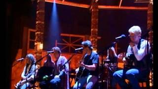 Hotel california versión acústica en vivo)