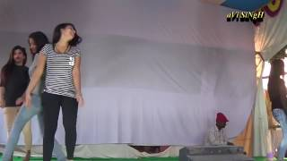 Bhojpuri arkestra dance by hot young girls