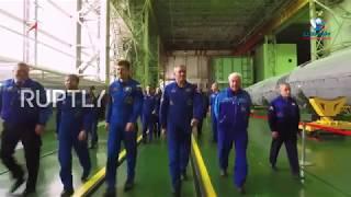 Kazakhstan: ISS Expedition 58/59 Crew examine Soyuz MS-11 spacecraft