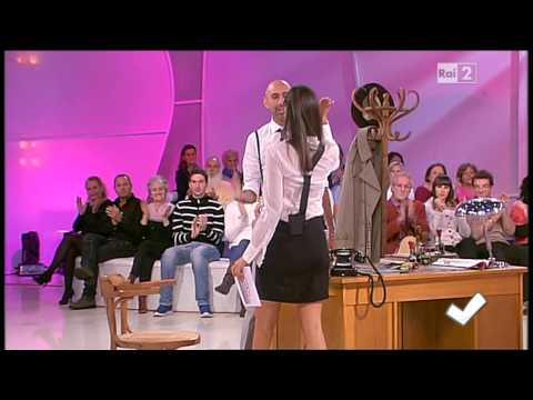 Caterina Balivo coscie - Detto Fatto 18/10/2013 thumbnail