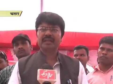 Agriculture minister visits Chatra, expresses worry about farmers