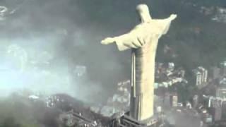 Семен Слепаков - Перед посольством Бразилии(Одна из самых грустных песен Семена Слепакова! Автор видео дорожки - пользователь TaNicaMO., 2011-10-24T09:12:02.000Z)