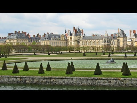 Château de Fontainebleau France • A Walk through the History of French Chateau  European Waterways