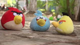 Angry Birds Plush Movie 2018: Pigs steal eggs | MOO Toy Story