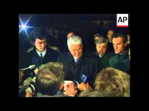 RUSSIA: SIBERIA: YELTSIN ARRIVES FOR MEETING WITH JAPANESE PREMIER
