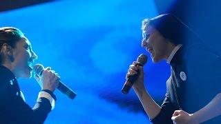 Suor Cristina e Anna Tatangelo cantano Libera a Donne in Canto