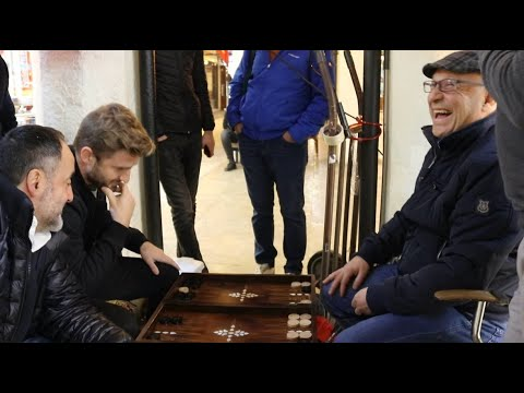 Undercover Backgammon Grandmaster plays in Istanbul Grand Bazaar (FUN TO WATCH!)