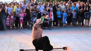Фаер-шоу на набережной Владивостока.