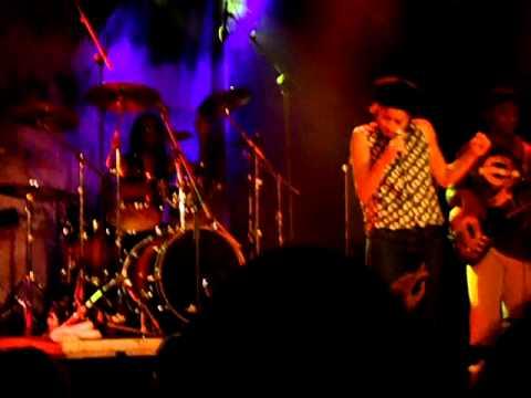 Nneka - Soul is heavy (Live in Barcelona)