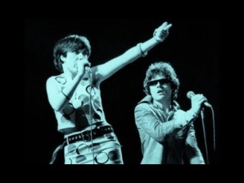 the-rezillos-land-of-a-thousand-dances-live-1978-daisypumpkin23