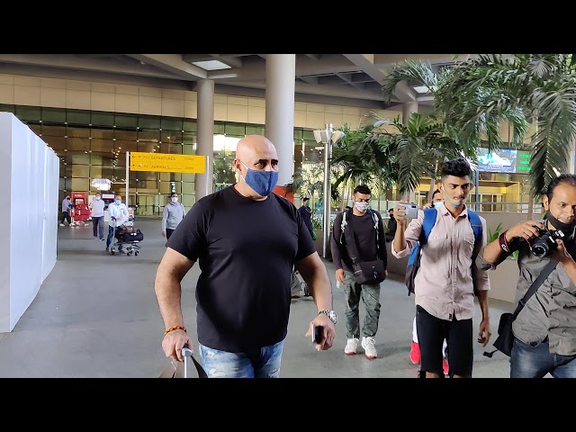 Puneet Issar Spotted At Airport