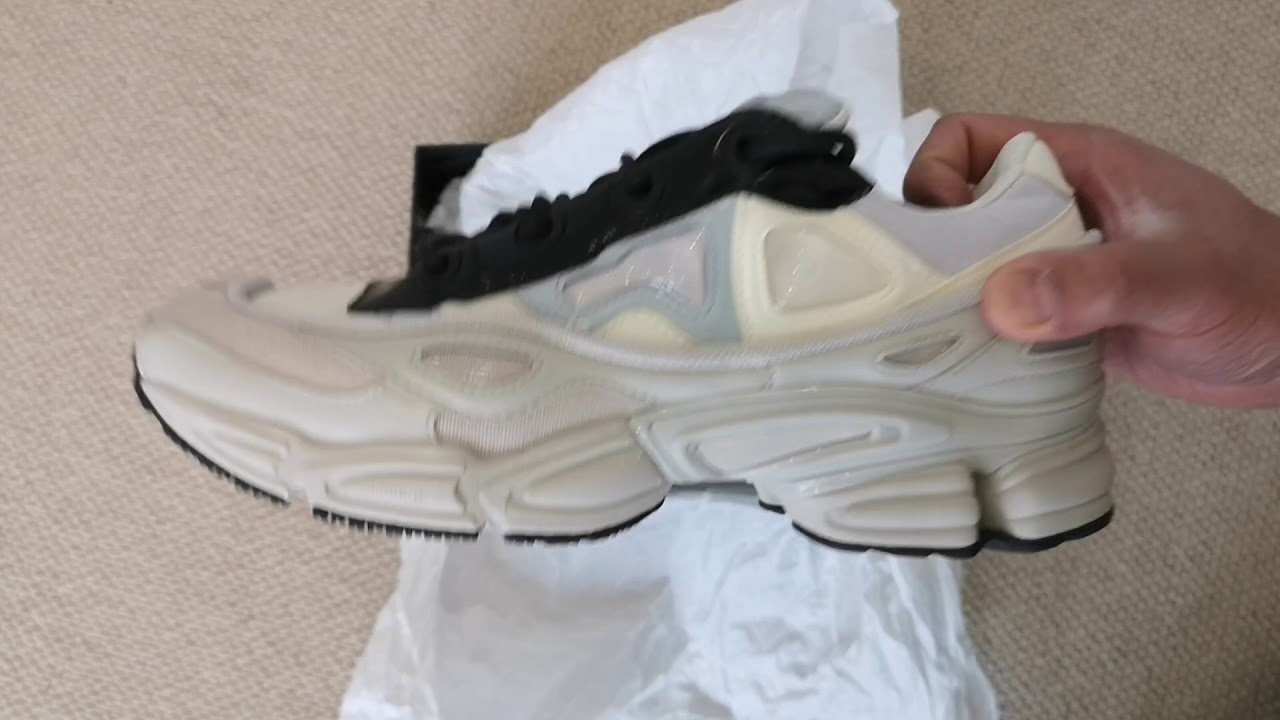 hot sale online 136af 635c2 Adidas Raf Simons Ozweego III White/Black Unboxing and Impressions