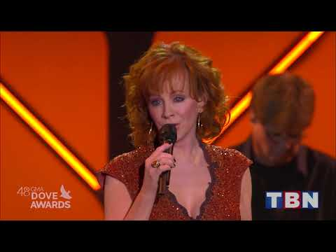 Reba McEntire Performs Back To God & Swing Low Sweet Chariot  48th Annual GMA Dove Awards  TBN