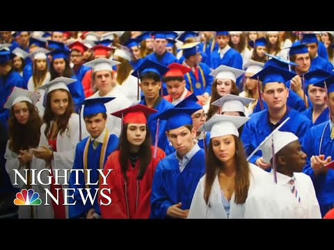 Chuck and Kelly - Happy Hour: Teen With Autism Gets Silent Ovation At His Graduation