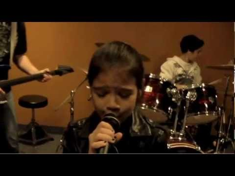 Led Zeppelin - Rock & Roll Cover by 9 Year Old Female Rock Singer Sara & Motion Device