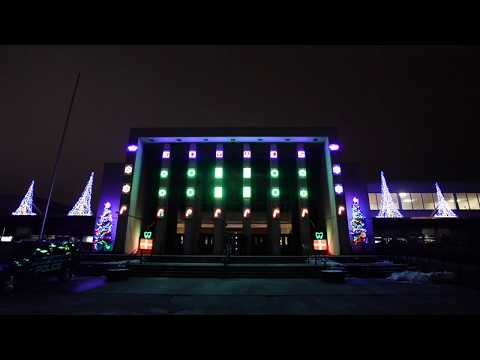 Rich Lauber - Students Create Musical Christmas Display Using 30,000 Lights!
