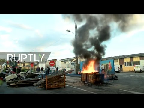 LIVE: French factory workers destroy machinery at GM&S auto-plant, threaten to blow site up