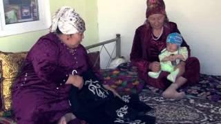 Озбек жигити Кыргызча ырдайт