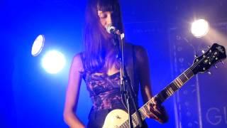 Las Kellies - Go V! - Typical bitch - LIVE PARIS 2013