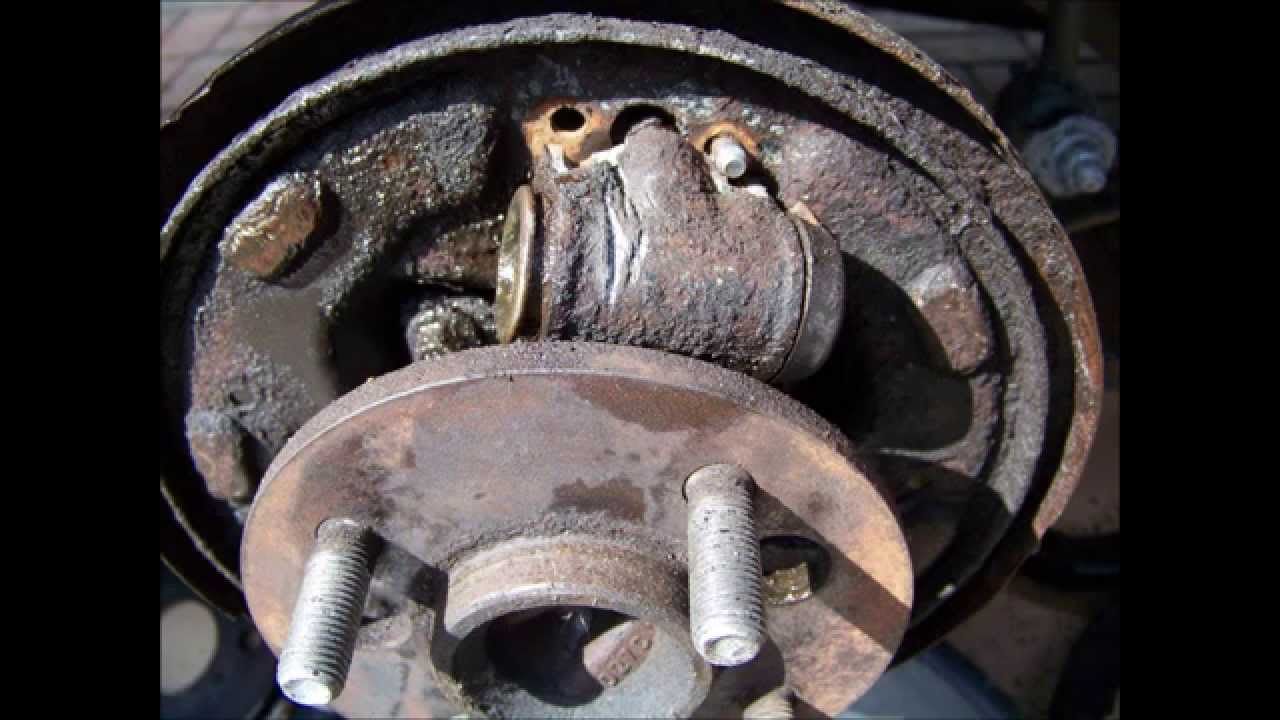 saturn sl2 rear drum brake wheel cylinder replace fix remove 1995 rh youtube com Neptune Diagram Saturn Rings Diagram