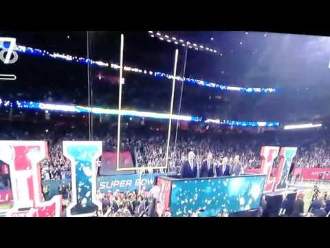 Willie McGinest cussing a lot during Super Bowl ceremony/ trophy walk