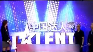 曝好友黄晓明牵线 赵薇将出任《达人秀》评委