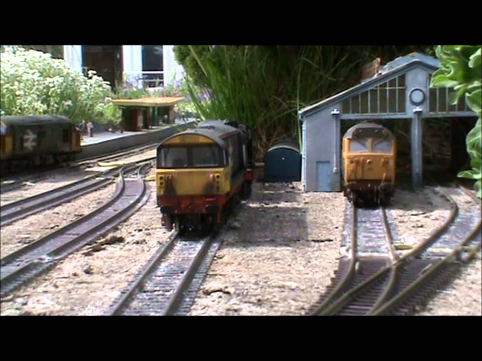 Captivating Hampton Field Running Session 5 May 2014   British OO Gauge Garden Railway    YouTube