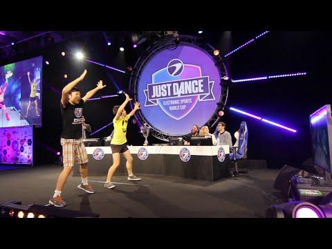 Meisterschaften in Düsseldorf: Eine Elfjährige ist jetzt die beste Skateboarderin Deutschlands from YouTube · Duration:  2 minutes 21 seconds