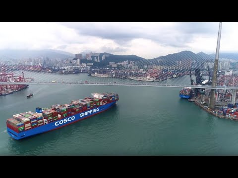 Largest Ship COSCO SHIPPING GALAXY calls at HK Terminal 8 香港