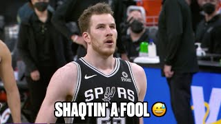 Jakob Poeltl Airballs Two Free Throws In A Row
