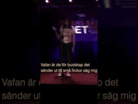 Nattalie Ström Bupuckdee på Förenade Förorters tävling Ortens bästa poet i Tensta, 2 oktober 2016
