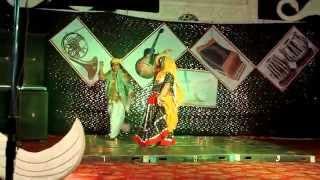 Pili Lugdi ka jhala - Dance by Sangiita n Ved