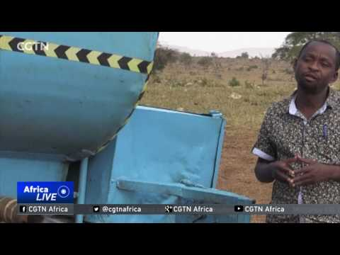 Kenyan farmer delivers water to drought-hit wildlife