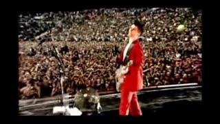 Repeat youtube video Muse - Knights Of Cydonia: Live At Wembley Stadium 2007