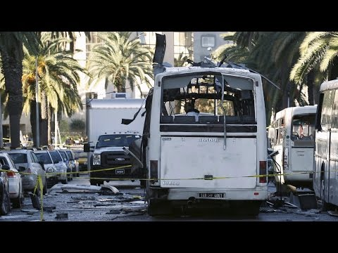 ISIS Explosion in Tunisia Hits Presidential Guard Bus