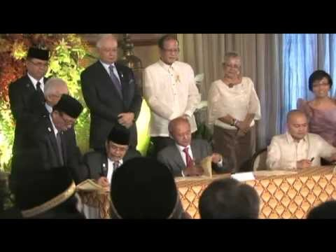 Signing of the Framework Agreement on the Bangsamoro at the Malacañan Palace